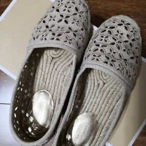 Authentic Michael Kors Darci slip on fabric